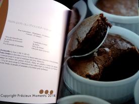 Ou les petits pots de chocolat... J'hésite !