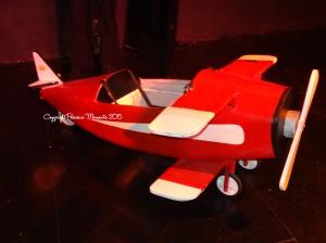 Le fameux petit avion rouge...
