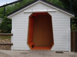Au fait... Qu'est que c'est ??? Une cabine de séchage !!!  Original ! Et bien pratique après s'être fait arrosé dans certaines attractions !