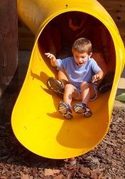 playground-664884_1920