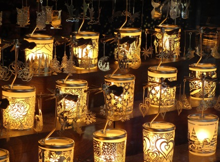 tea-lights-1742638_1920