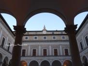 palais ducal italie urbino cour