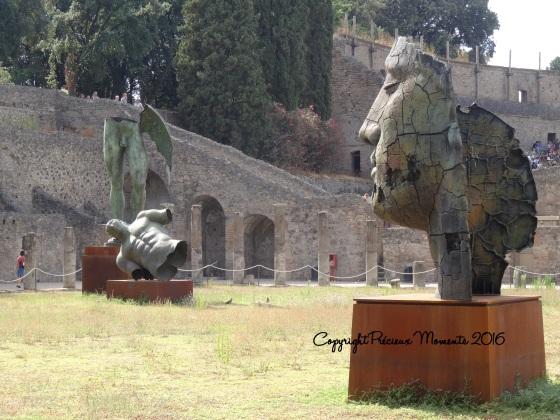 statues pompei
