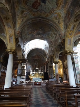 interieur eglise orta