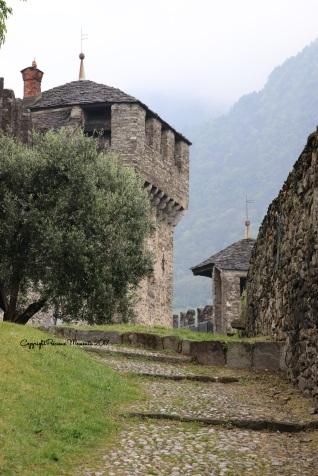 chateau montebello bellinzona exterieur