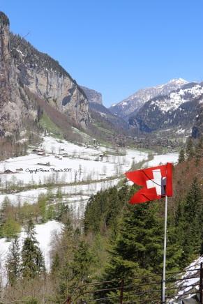 drapeau montagne suisse