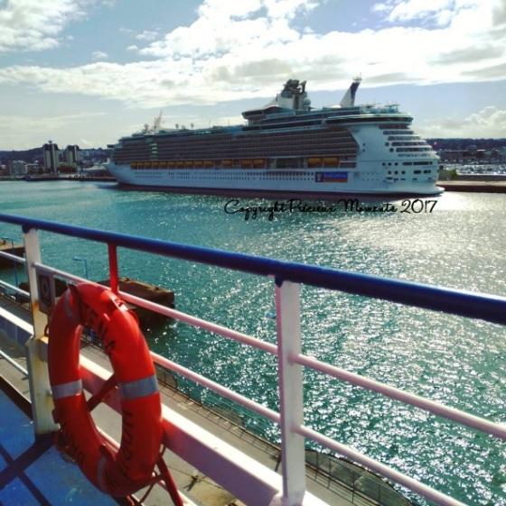 arrivée ferry cherbourg bateau croisiere msc