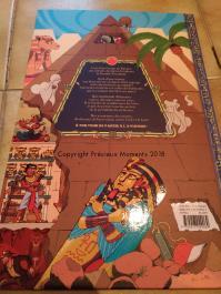 livre pyramide enfant dos