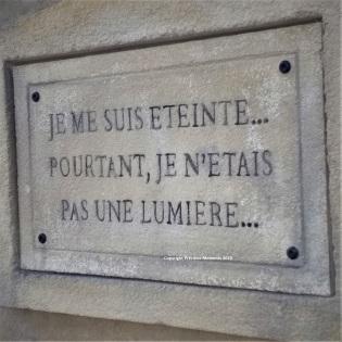 Walibi Halloween citation pierre tombale